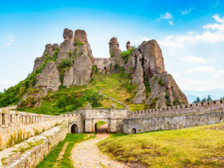 Bulgaria-tourist-attractions_The-Belogradchik-Rocks-1